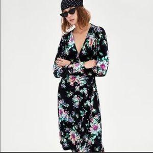 Zara Dresses - NEW! ZARA WOMAN BLACK VELVET FLORAL WRAP DRESS